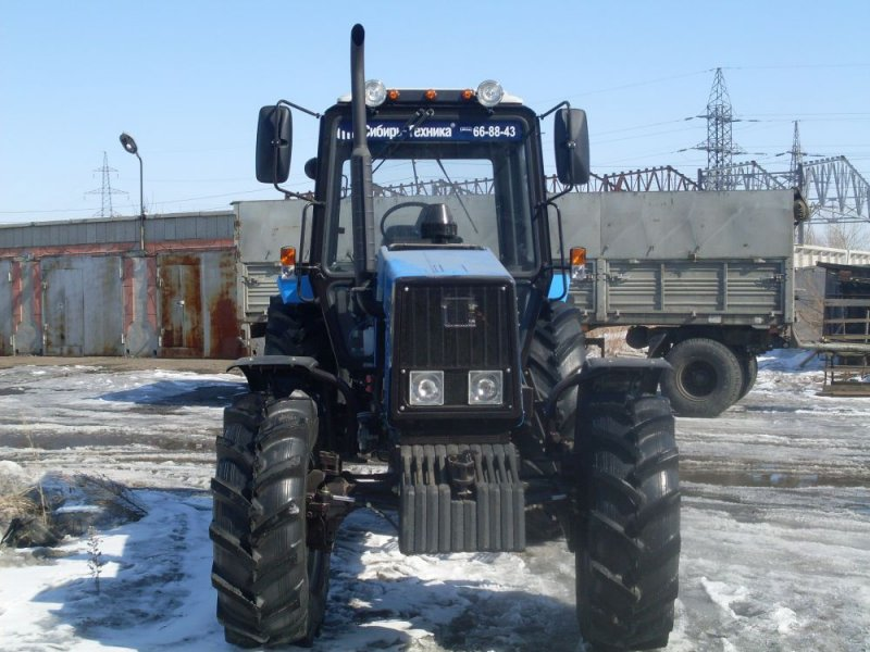 Купить трактор Джон Дир или приобрести трактор Ламборджини от компании Интер Агросвит?